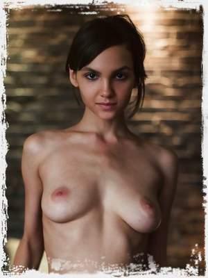 Meet Lara : Late Night Gallery
